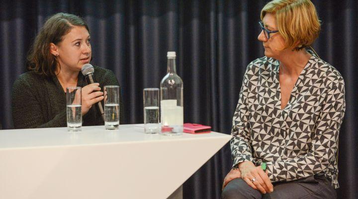 Dr. Julia Behrens und Inger Paus