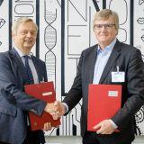 TU Präsident Prof. Dr. Christian Thomsen und UVB Präsident Dr. Frank Büchner