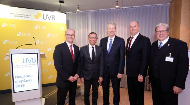 Elmar Stollenwerk, André Sinanian, Christian Amsinck, Dr. Dietmar Woidke und Prof. Jörg Steinbach