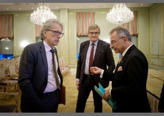 Dr. Matthias Kollatz, Professor Dieter Kempf und UVB-Präsident Dr. Frank Büchner im Gespräch